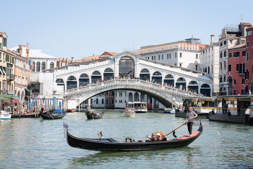 אטרקציות בונציה גשר הריאלטו והתעלה הגדולה