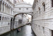 גשר האנחות המהווה אטרקציה בונציה