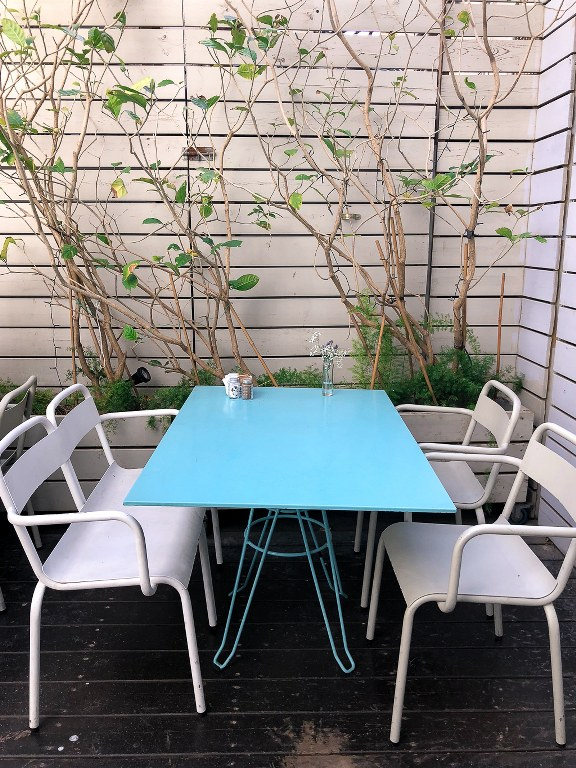 שולחן בגדונסי גרדנר
