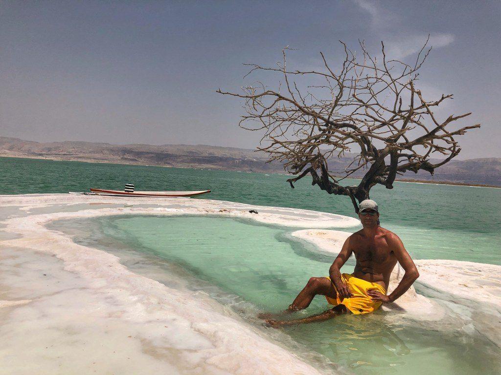 העץ הבודד של עמירם דורה בים המלח