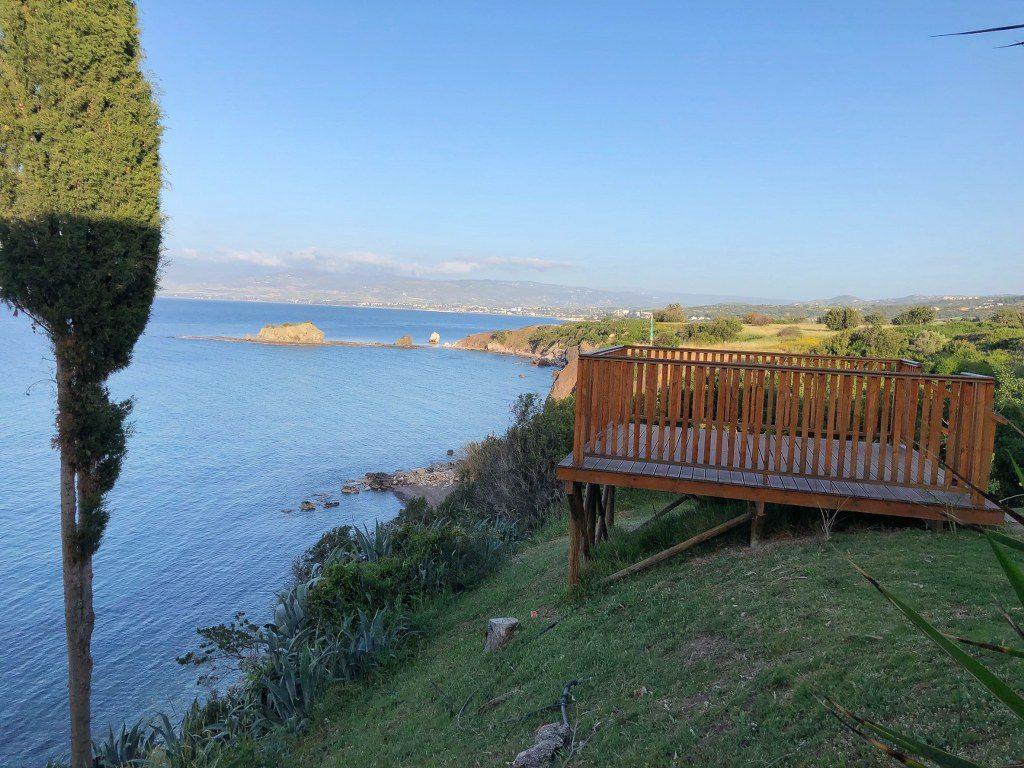 תצפית מחוף אפרודיטה בקפריסין