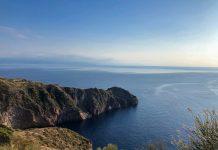 תצפית לחוף מהאי וולקנו שבסיציליה