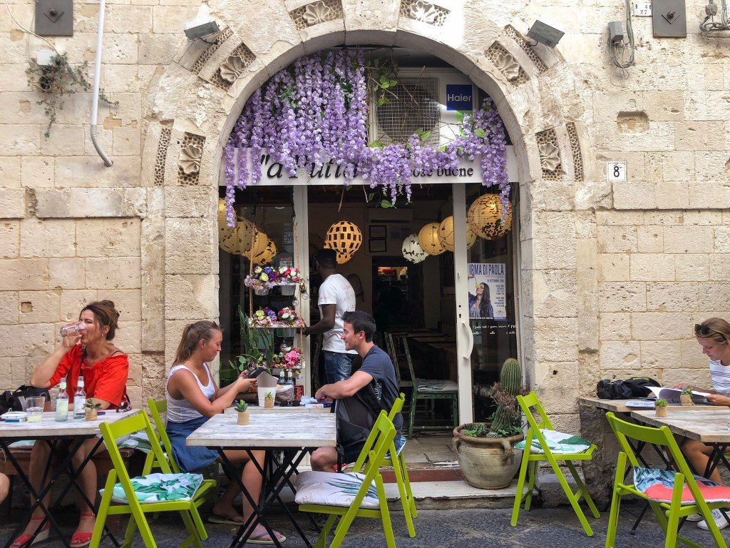 מסעדה סיציליאנית באי אורטיג'יה