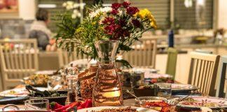 שולחן מלא מטעמים של שפית בדרום