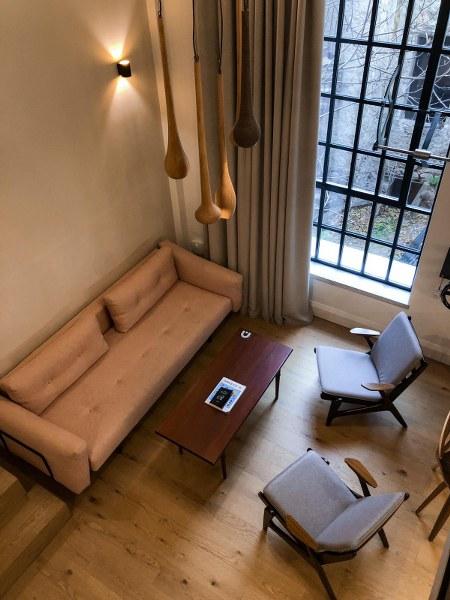 סלון בבית מלון באתונה The Foundry