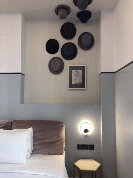 מיטה במלון דה פינאקל The Pinnacle