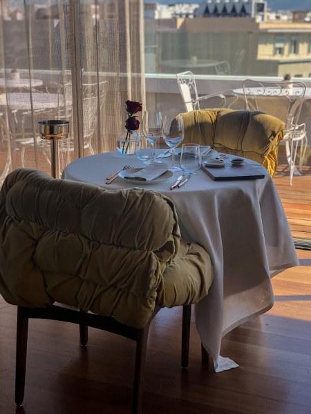 אירוח על גג בית מלון באתונה new hotel
