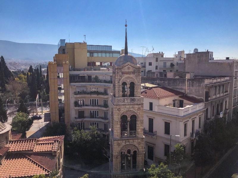 נוף על אתונה מגג בית מלון באתונה new hotel