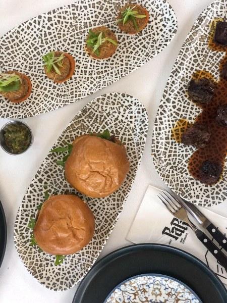 ארוחת בשרים במסעדת פאפי
